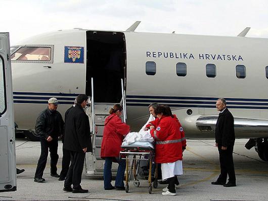 Zrakoplov Vlade Republike Hrvatske u humanoj akciji