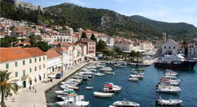 Hvar i Brač su idealne mediteranske destinacije