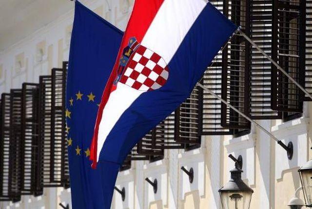 Zastupnici u EP-u trebaju govoriti vlastitim jezikom, uz poznavanje engleskog ili francuskog
