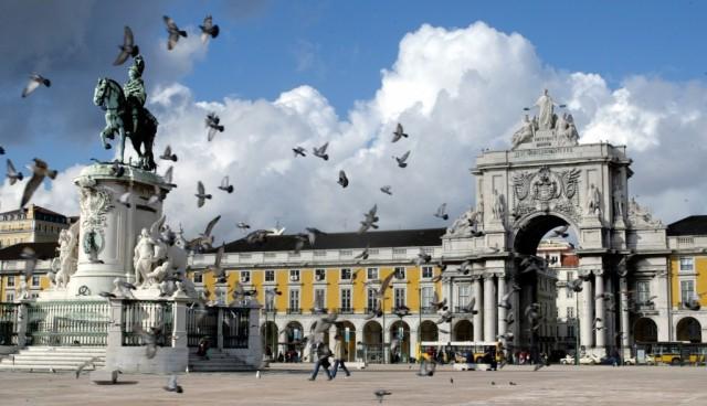 Portugal daje otkaz 30 000 birokrata, a u Hrvatskoj birokrati otpuštaju radnike