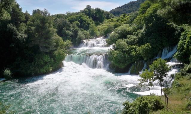 NP Krka i lokalno stanovništvo zajedno uređuju priobalje Krke