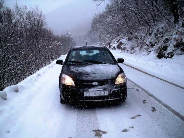 Na Biokovu -9,5 °C i 30 cm snijega