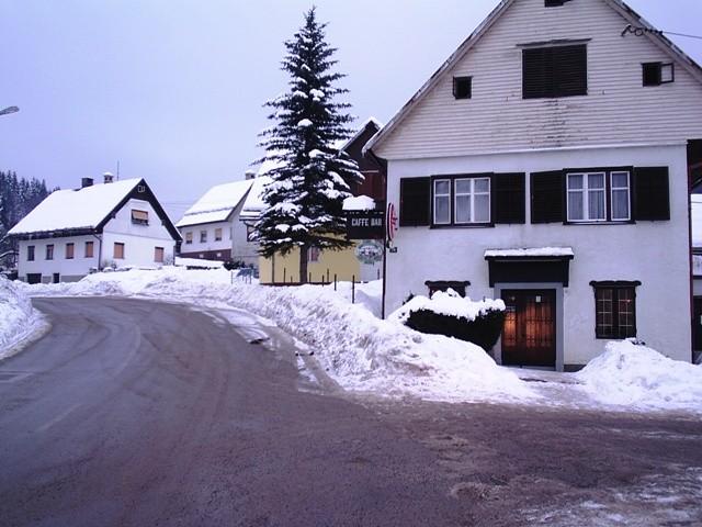Jaka bura na Jadranu, snijeg u Lici i Slavoniji
