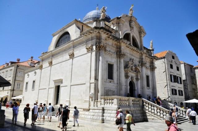 U SUBOTU ISPRED CRKVE SV. VLAHA – Žive jaslice u Dubrovniku