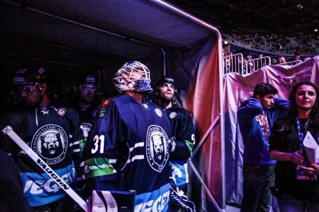 Hokejaši Medveščaka pobijedili su Sibir 4:2 (2:0, 1:2, 1:0)