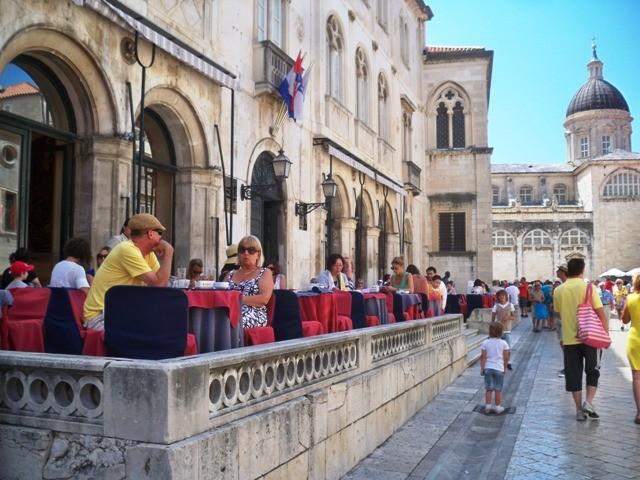 U Dubrovniku za doček Nove 6000 gostiju