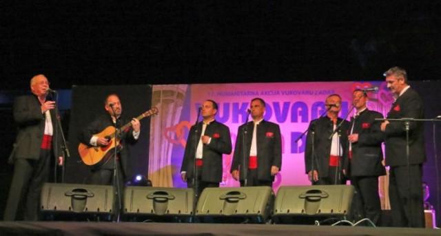 Zadrani pjevali za Vukovarce