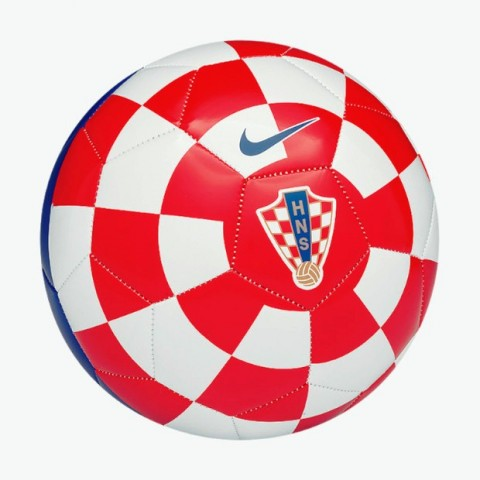 Niti javnost niti Ćiro Blažević nisu zadovoljni novim trenerom