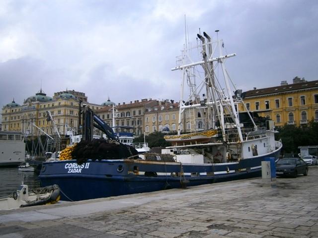 Ministarstvo poljoprivrede nudi novac za uništavanje ribarskih brodova