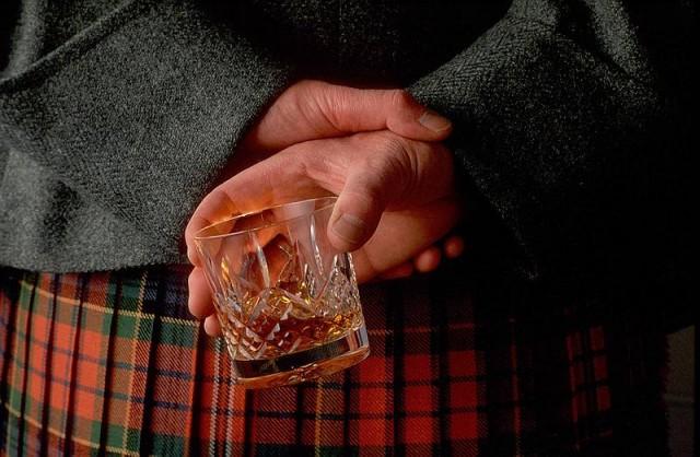 Bocu viskija čuva zakopanu u vrtu 20 godina