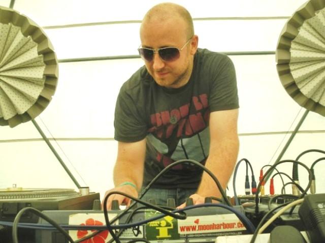 Britanski majstor deep housea nastupa u Sirupu