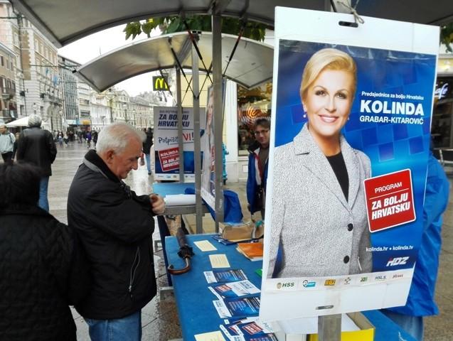 Iako je Kolinda Riječanka, na štandu Josipovića više ljudi