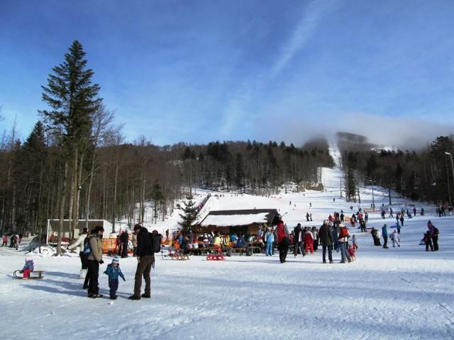 Otvorena sezona skijanja na Platku