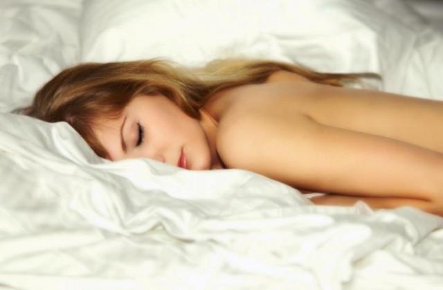Šest razloga zbog kojih bi trebali spavati goli