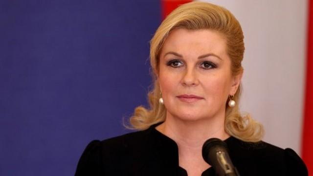 Jadranka Kosor tvrdi da je Kolinda pobjegla s jedne državne funkcije