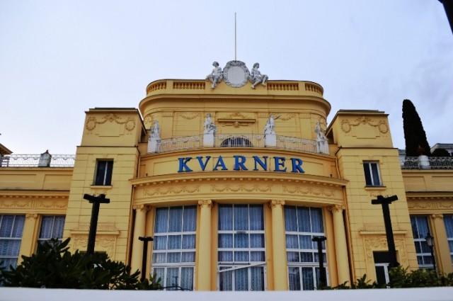 Bečki bal u Kristalnoj dvorani hotela Kvarner, Opatija