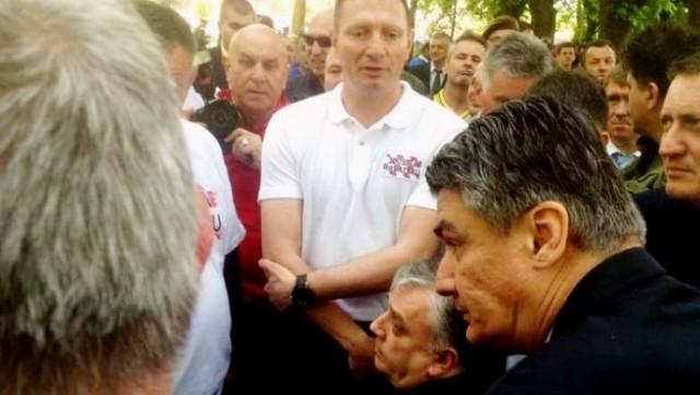 """Milanović """"spustio krunu"""" i konačno 10 minuta popričao s braniteljima"""