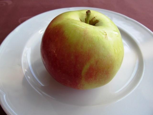 Na stablima ostalo više od 30 tisuća tona jabuka