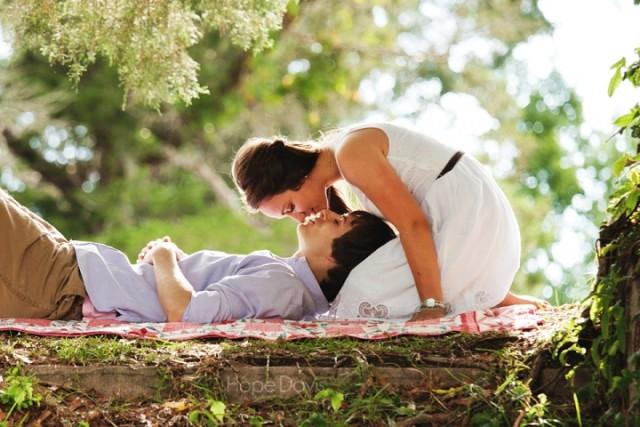 Deset ideja za romantične spojeve kod kuće