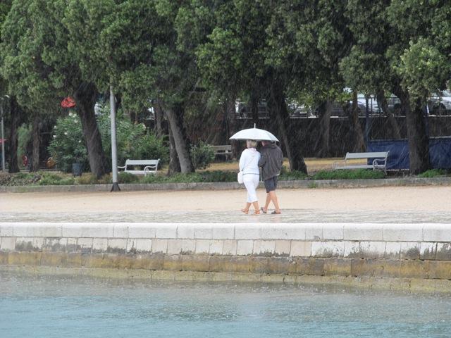 OPREZ!!! Sutra navečer i u nedjelju nevere, kiša i zahlađenje!