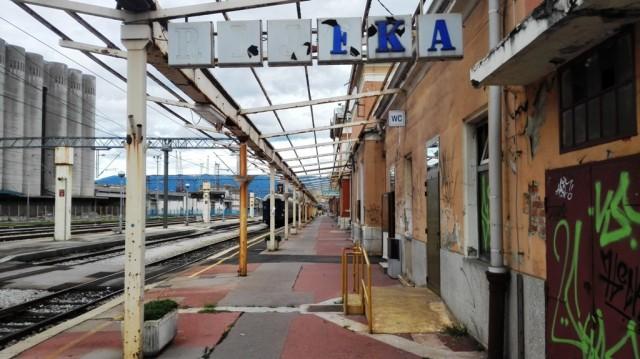 Devastirani riječki željeznički kolodvor