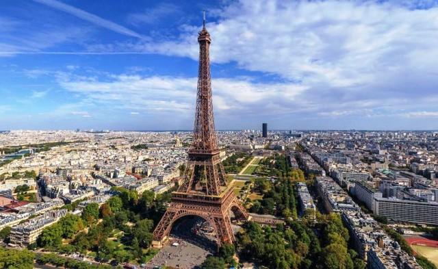 Obojimo Eiffelov toranj: napišite #CRO i vi, tipkovnice u ruke!
