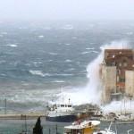 Olujno jugo poharalo je cijelu hrvatsku obalu