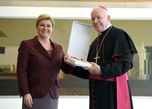 Dodijeljeno odlikovanje prvom hrvatskom vojnom biskupu mons. Jurju Jezerincu
