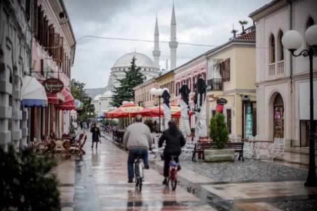 Oscar Piljek : biciklom po Albaniji