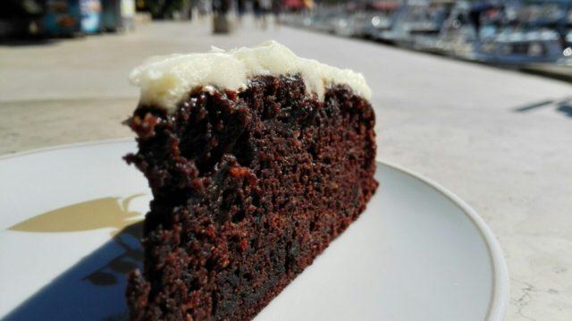 Novost na Krku, torta s tamnim pivom