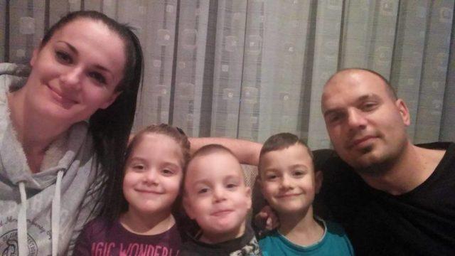 Obitelj Prgomet iz Imotskog s troje djece dobitnici hrvatskih sanjki