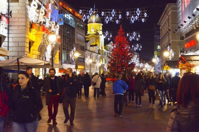 Najljepši dio godine oblači grad u Rijeka Advent