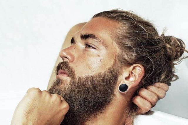 Muškrci s bradama su privlačnijim ženama