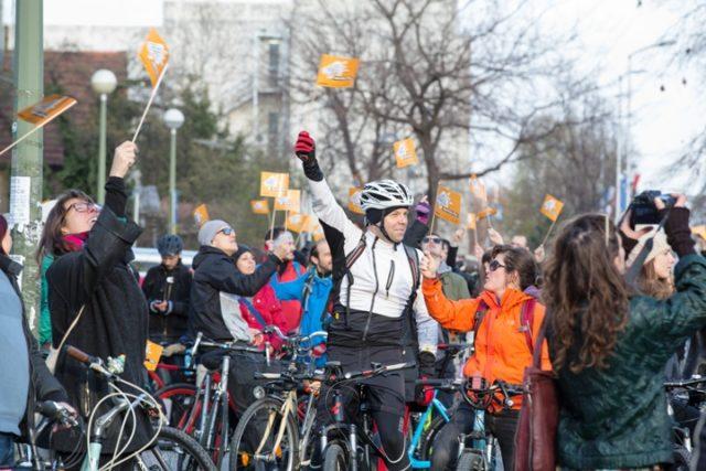 1500 BICKLISTA U ZAGREBU OTVORILO GLOBALNI VAL PROSVJEDA PROTIV FOSILNIH GORIVA
