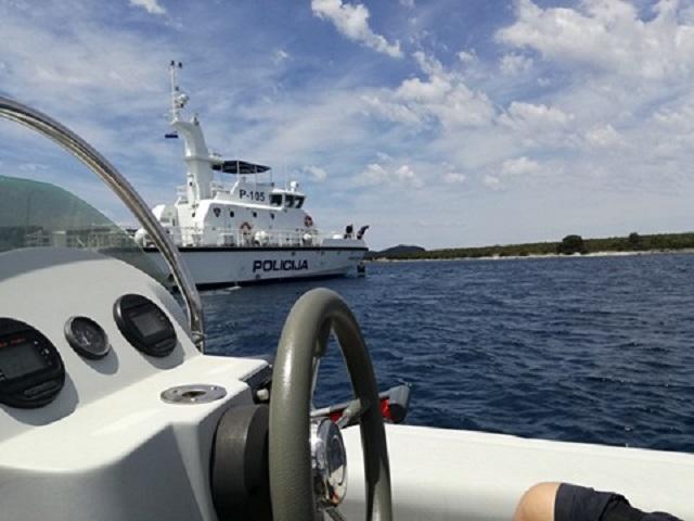 Policija s ribarima – radite sutra normalno, ali ne idite preko crte