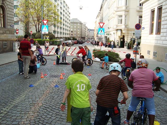 Beč uvodi ulice za igru
