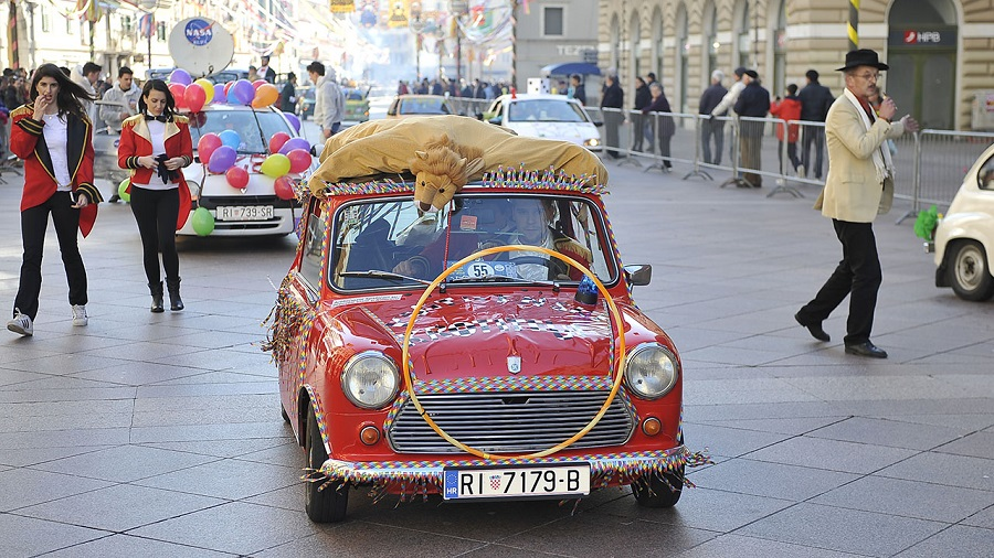 Odvožen 27. maškarani auto-moto đir od Pariza do Bakra