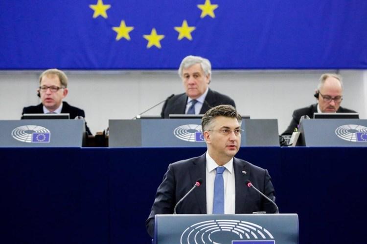 Plenković želi da na crvenoj listi budu županije, a ne država