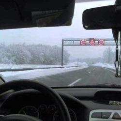 OPREZ : Snijeg i olujni vjetar otežavaju promet