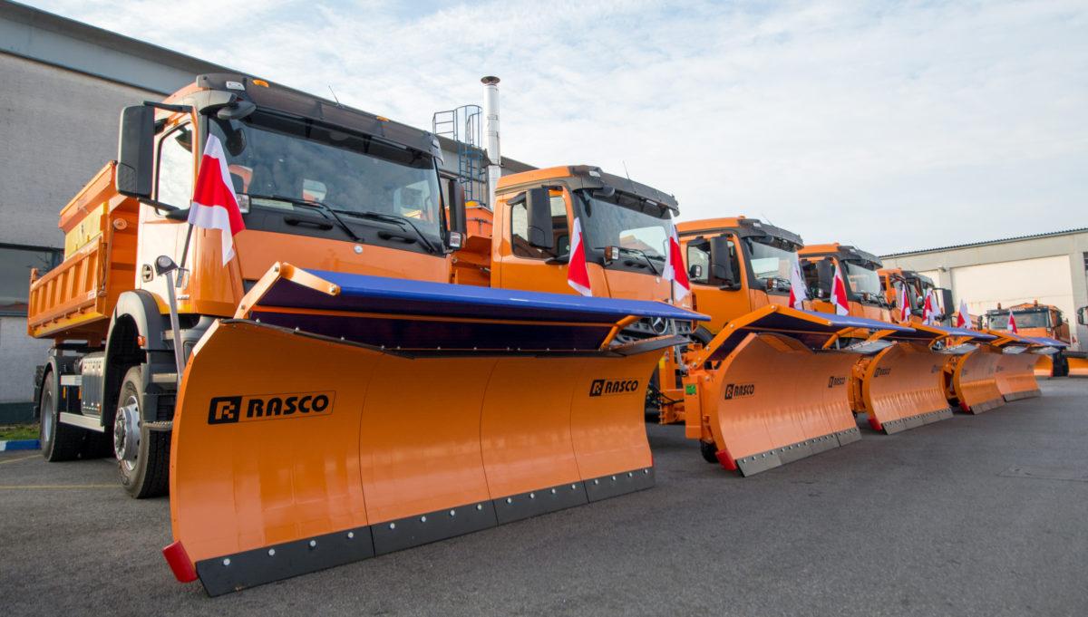 Gradu Zagrebu isporučeno 5 novih vozila zimske službe