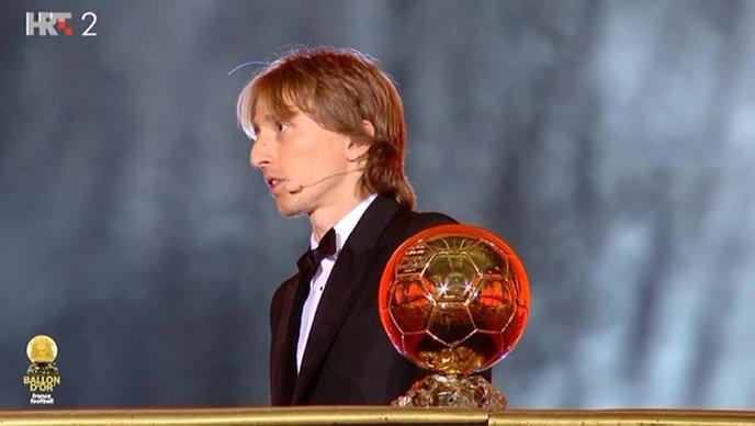 Zlatna lopta u Modrićevim rukama!