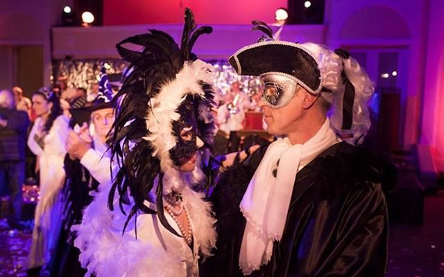 Maškarani tanci u Klubu Gervais, Opatija