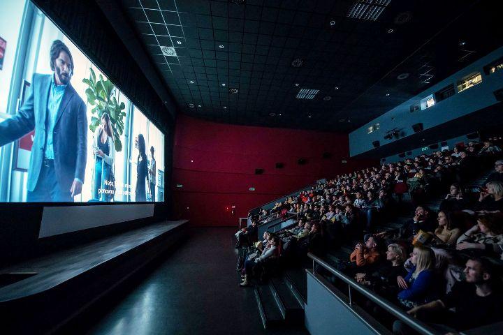 Održana projekcija romantične komedije Destination Wedding u Kinu Valli