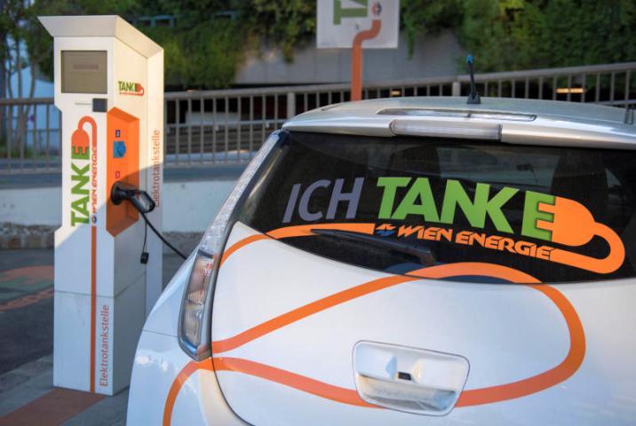 Beč: Svakih 400 metara jedna punionica za električne automobile