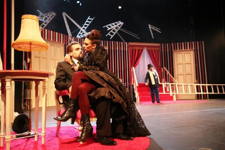 Pituri nemaju sjećanja: punokrvna komedija nobelovca Darija Foa
