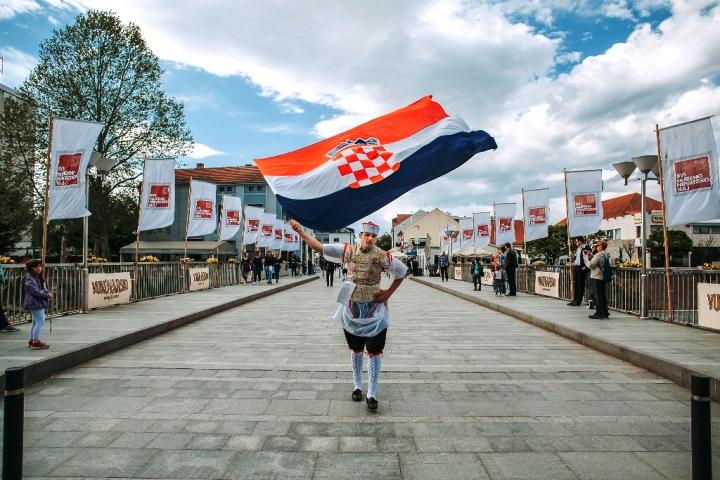 """U Vukovaru Hrvatska u malom – TRAJE FESTIVAL """"Svi zaJEDNO HRVATSKO NAJ"""""""