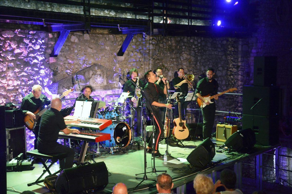 Marko Tolja u svom gradu održao koncert za pamćenje!