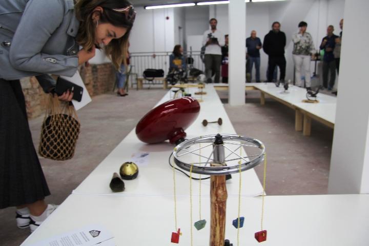 Održana izložba prenamijenjenih predmeta s otpada čiji su autori Romi