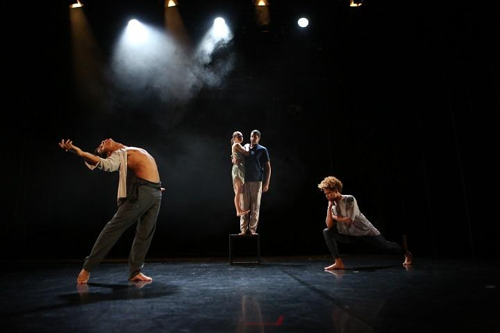 """Predstava """"Free Standing"""" u HKD-u – plesno propitivanje odnosa"""