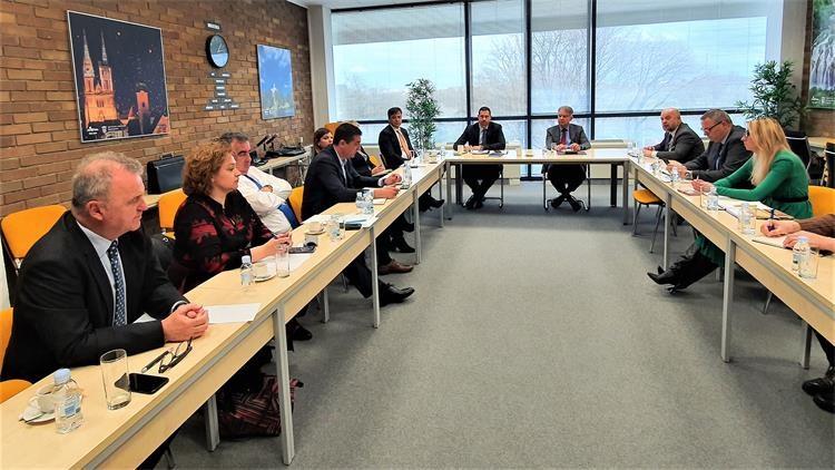 Održan sastanak ministra turizma s predstavnicima turističkog sektora o temi koronavirusa